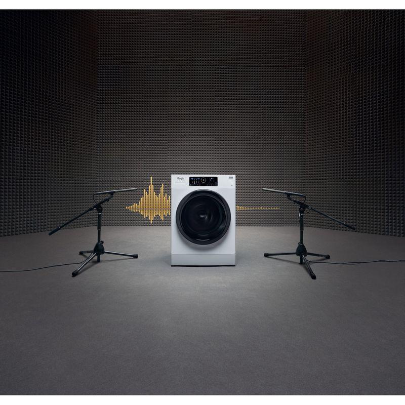 Whirlpool-Lave-linge-Pose-libre-FSCR80430-Blanc-Lave-linge-frontal-A----Lifestyle-frontal