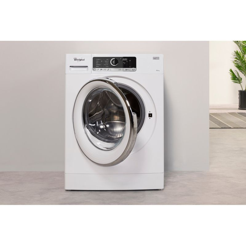 Whirlpool-Lave-linge-Pose-libre-FSCR10427-Blanc-Lave-linge-frontal-A----Lifestyle-frontal-open