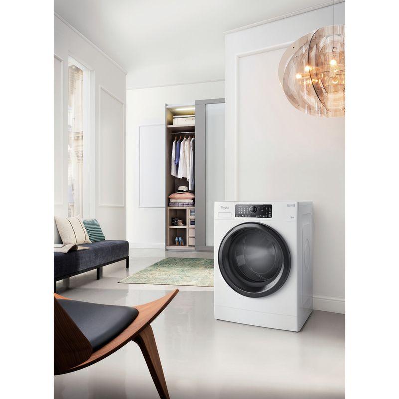 Whirlpool-Lave-linge-Pose-libre-FSCR-10432-Blanc-Lave-linge-frontal-A----Lifestyle-perspective