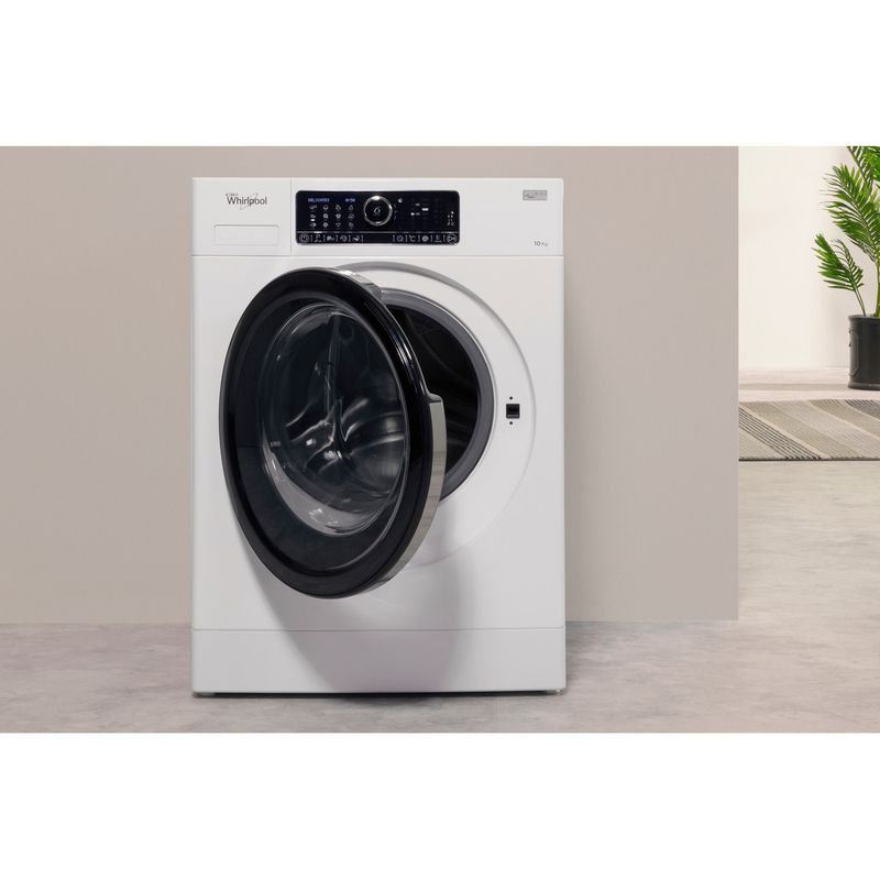 Whirlpool-Lave-linge-Pose-libre-FSCR-10432-Blanc-Lave-linge-frontal-A----Lifestyle-frontal-open