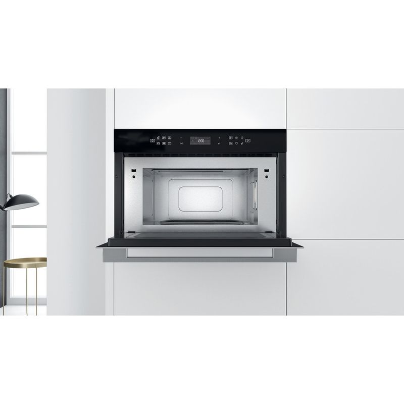 Whirlpool-Four-micro-ondes-Encastrable-W7-MD440-Acier-inoxydable-Electronique-31-Micro-ondes---gril-1000-Lifestyle-frontal-open