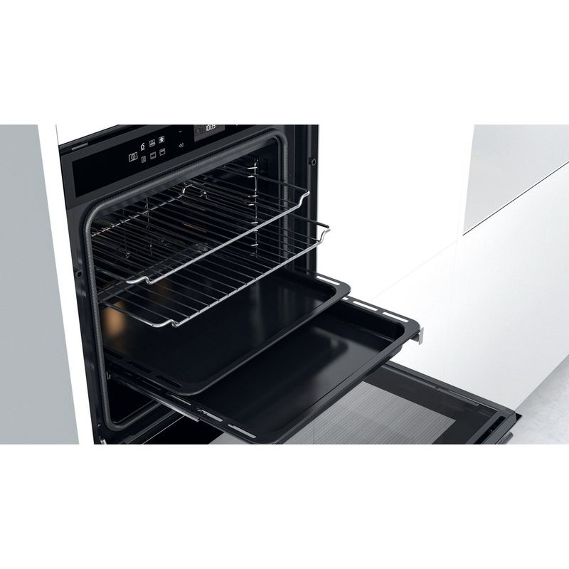 Whirlpool-Four-Encastrable-W6-OM4-4S1-P-BSS-Electrique-A--Lifestyle-perspective-open