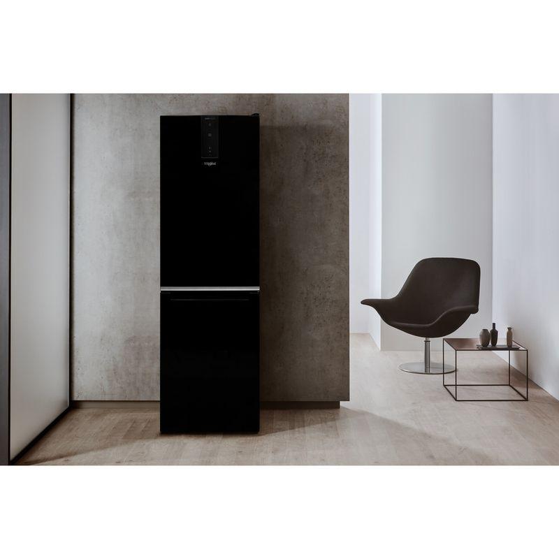 Whirlpool-Combine-refrigerateur-congelateur-Pose-libre-W7-821O-K-Noir-2-portes-Lifestyle-frontal