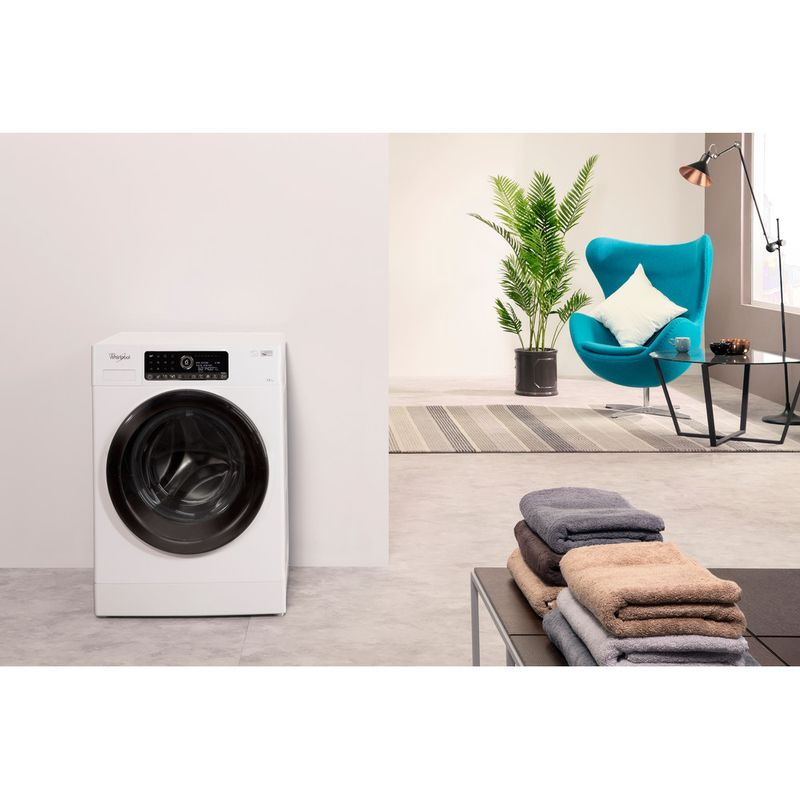 Whirlpool-Lave-linge-Pose-libre-ZENDOSE12-Blanc-Lave-linge-frontal-A----Lifestyle-frontal