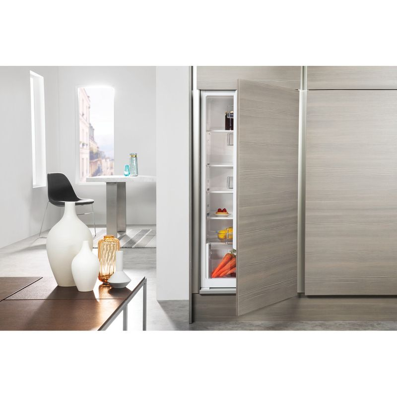 Whirlpool-Refrigerateur-Encastrable-ARG-8551-Inox-Lifestyle-frontal-open