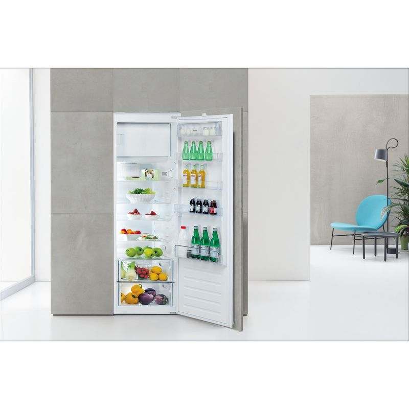 Whirlpool-Refrigerateur-Encastrable-ARG-184701-Blanc-Lifestyle-frontal-open