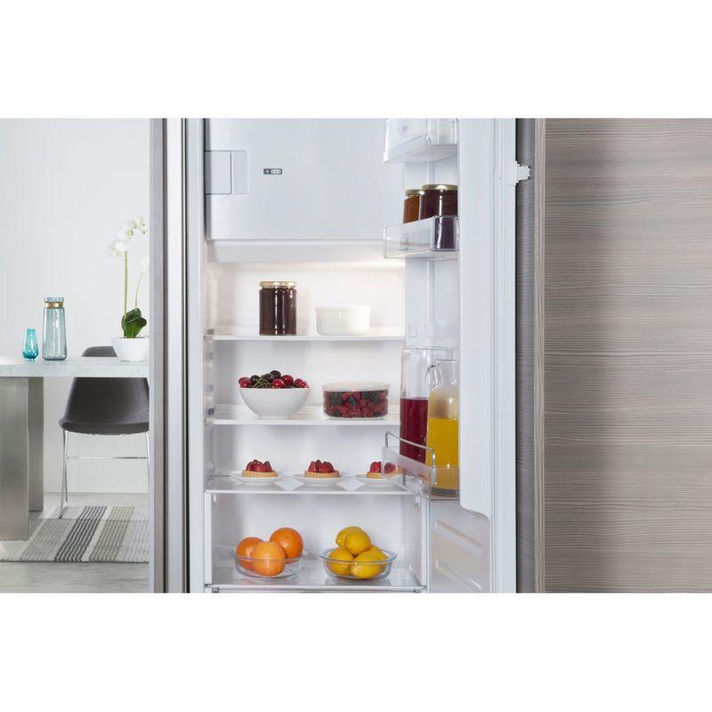 Whirlpool-Refrigerateur-Encastrable-ARG-8161-Acier-Lifestyle-detail