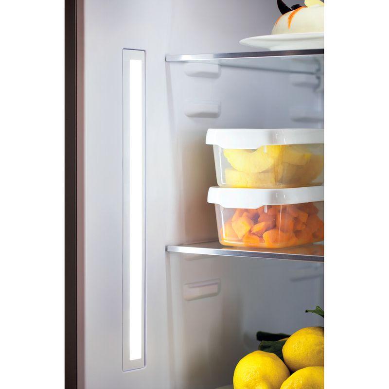 Whirlpool-Combine-refrigerateur-congelateur-Pose-libre-W84BE-72-X-2-Inox-2-portes-Lifestyle-detail