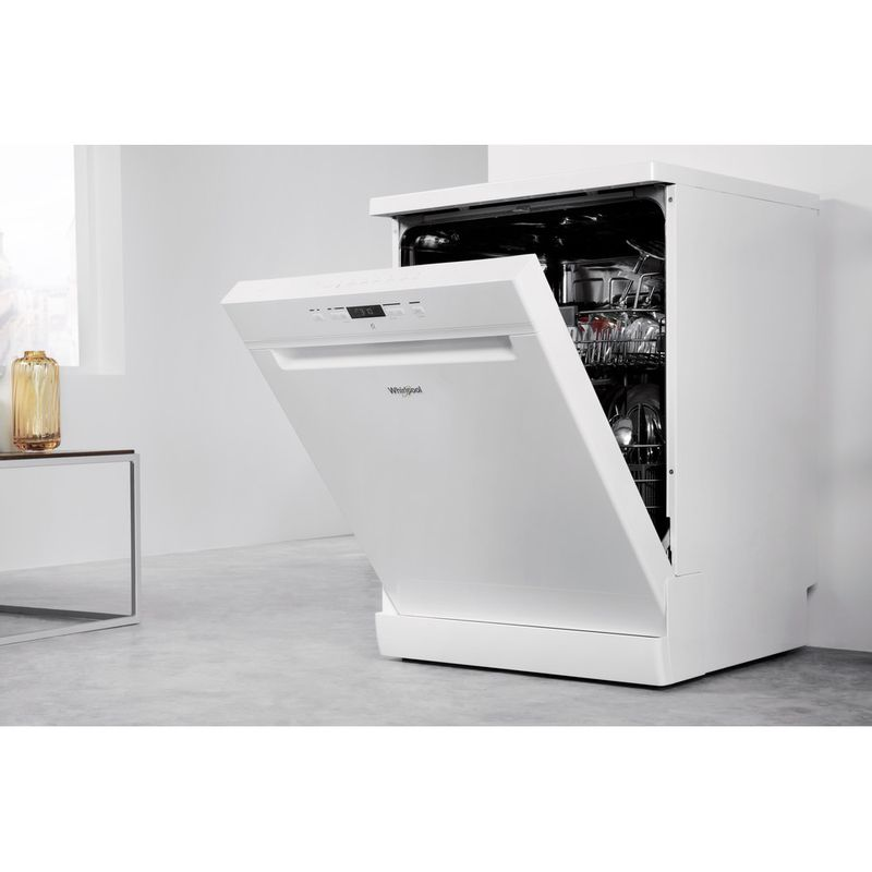 Whirlpool-Lave-vaisselle-Pose-libre-WRFC-3C26-Pose-libre-A---Lifestyle-perspective-open