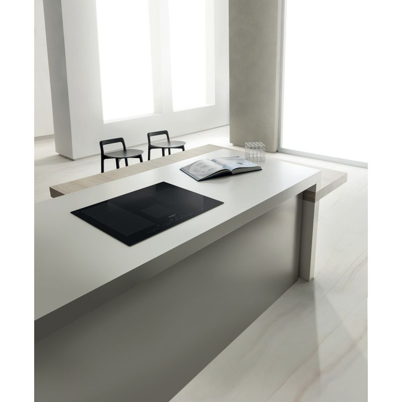 Whirlpool-Table-de-cuisson-SMC-774-F-BT-IXL-Noir-Induction-vitroceramic-Lifestyle-perspective