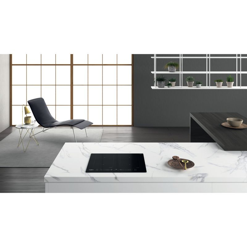 Whirlpool-Table-de-cuisson-WL-S7260-NE-Noir-Induction-vitroceramic-Lifestyle-frontal-top-down