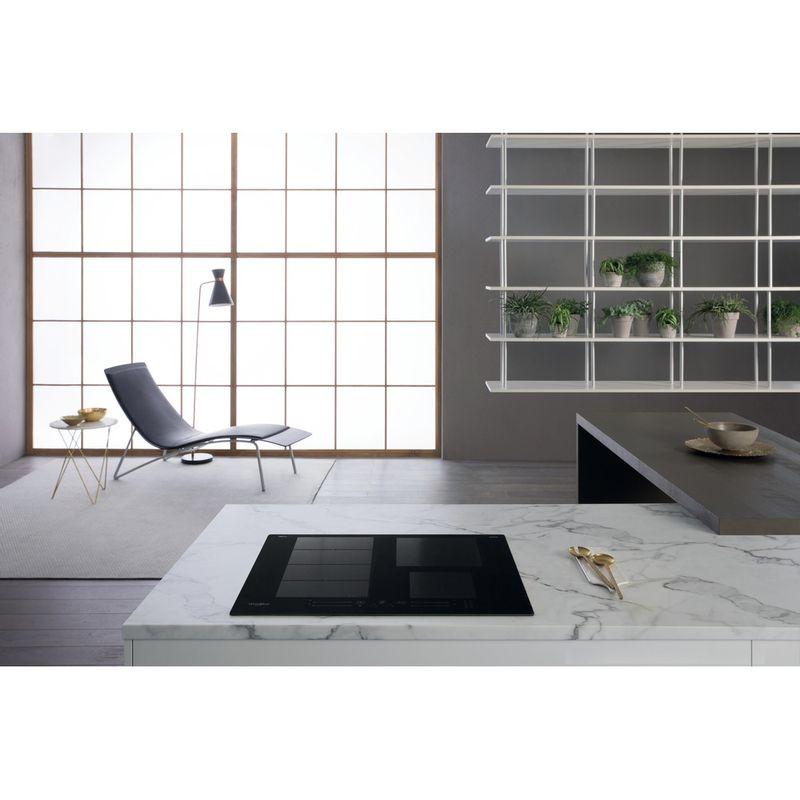 Whirlpool-Table-de-cuisson-WF-S0160-NE-Noir-Induction-vitroceramic-Lifestyle-frontal-top-down