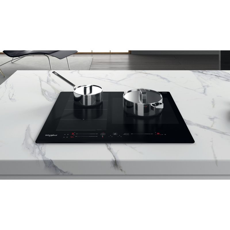 Whirlpool-Table-de-cuisson-WF-S9560-NE-Noir-Induction-vitroceramic-Lifestyle-frontal-top-down