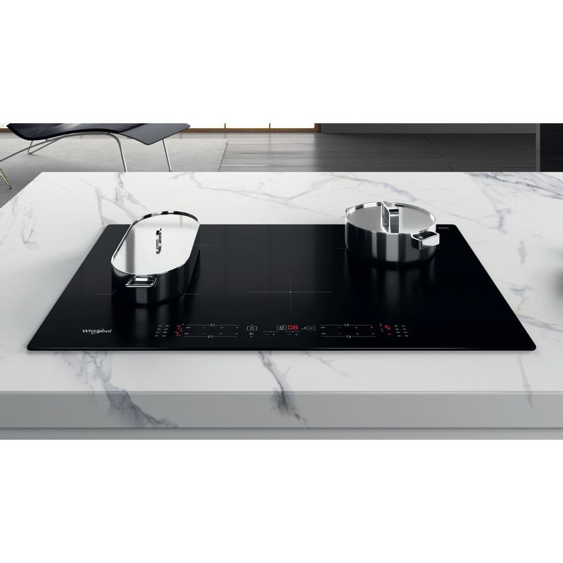 Whirlpool-Table-de-cuisson-WB-B4877-NE-Noir-Induction-vitroceramic-Lifestyle-frontal-top-down