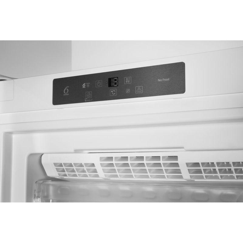 Whirlpool-Congelateur-Pose-libre-UW8-F1C-WB-F-1-Blanc-Lifestyle-control-panel