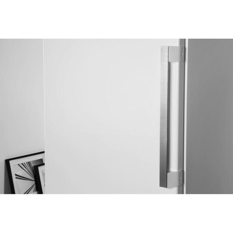 Whirlpool-Congelateur-Pose-libre-UW8-F1C-WB-F-1-Blanc-Lifestyle-detail