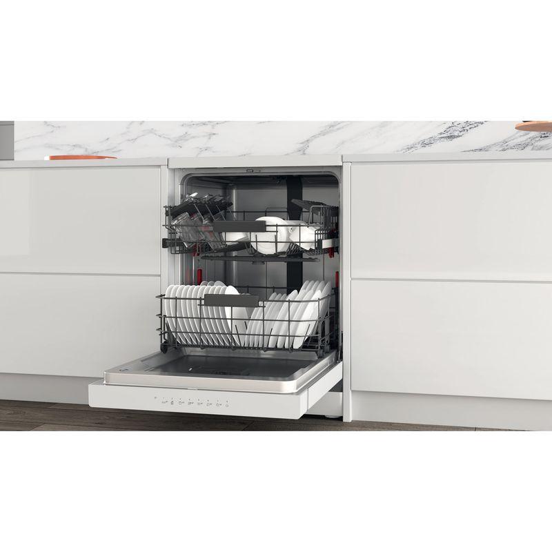Whirlpool-Lave-vaisselle-Pose-libre-WFC-3C42-P-Pose-libre-C-Lifestyle-perspective-open