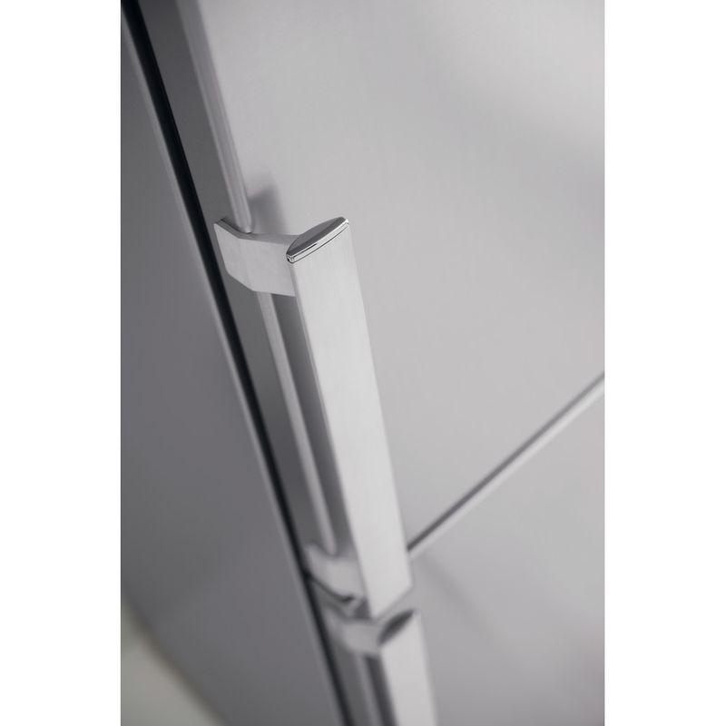 Whirlpool-Combine-refrigerateur-congelateur-Pose-libre-WB70I-931-X-Optic-Inox-2-portes-Lifestyle-detail